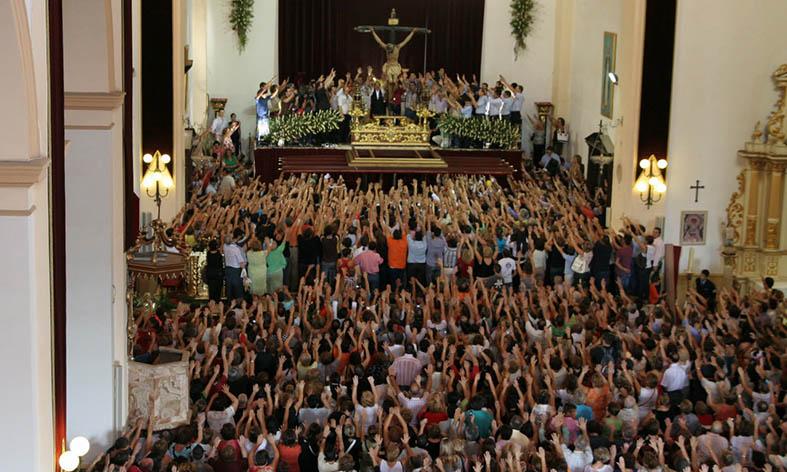 Dalías vive ocho días de fiesta por el Cristo de la Luz