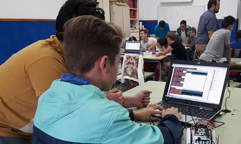 El 37% de los niños de Almería tiene madre o padre extranjero