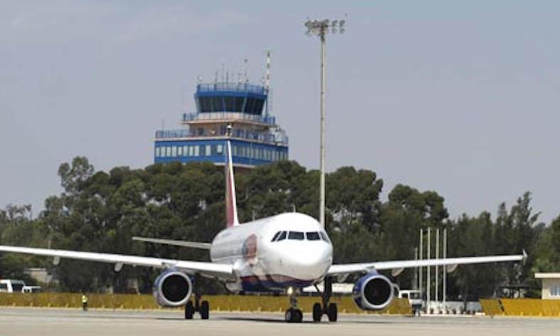 Almería se conecta por avión con gran parte de Europa