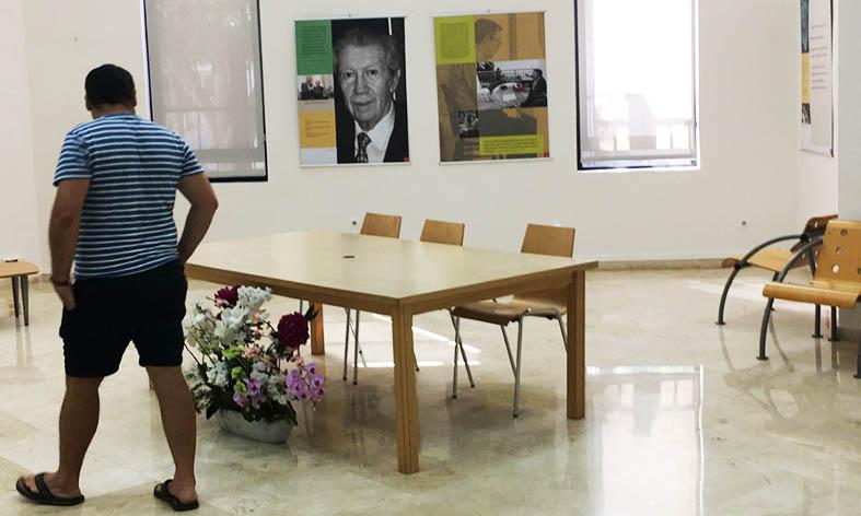 'Manuel Alcántara: Las columnas y los versos'