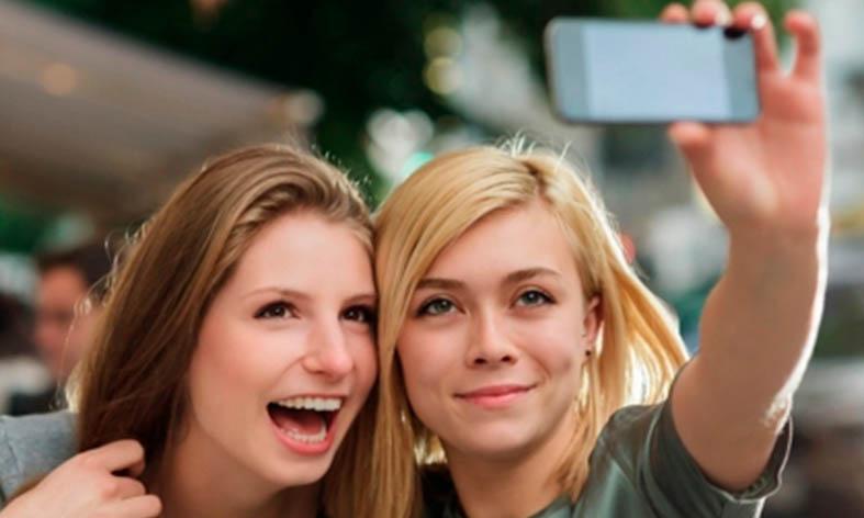 El Ejido convoca un concurso de selfies por Navidad